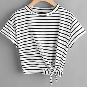 🆕 ! Striped Cropped Tee Side-Knotted Hem